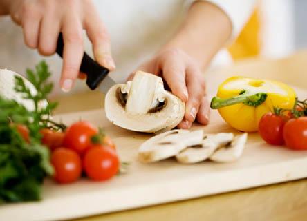 kaltura -  Chef prepping vegetables
