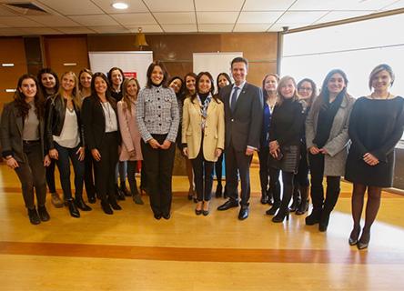 IBM y Ministerio de la Mujer